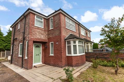 3 bedroom semi-detached house to rent - Trevor Road, Eccles, Manchester