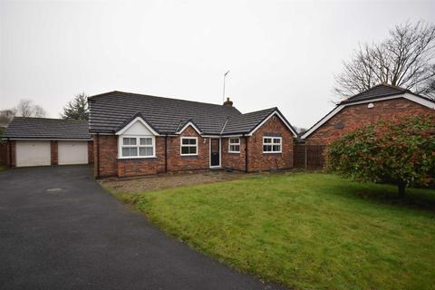 4 bedroom detached bungalow to rent - Stansford Court, Penwortham, Preston