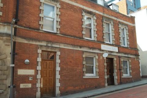 2 bedroom apartment to rent - CORPORATION STREET
