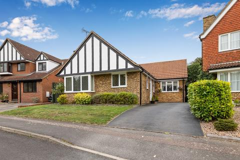 3 bedroom detached bungalow for sale - Betony Vale, Royston, SG8