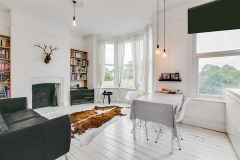 3 bedroom flat for sale - Chiswick Lane, London, W4
