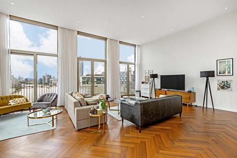 3 bedroom penthouse to rent - Capital Building, Embassy Gardens, 8 New Union Square, Nine  Elms, London SW11
