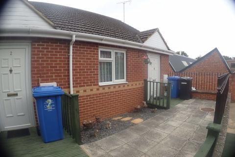 Studio to rent - Paddock Mews - Desborough