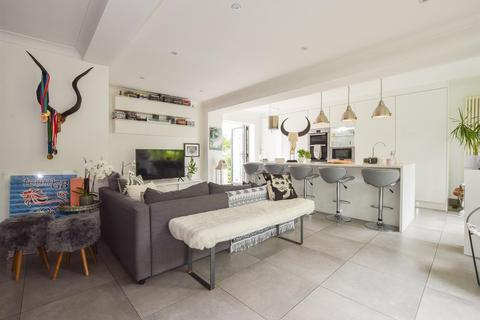 Strange Search 5 Bed Houses For Sale In St Helens Wood Onthemarket Download Free Architecture Designs Scobabritishbridgeorg