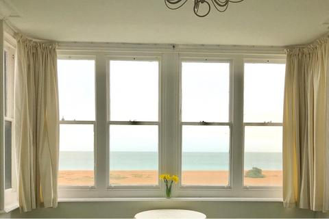 2 bedroom flat for sale - The Beach, Walmer, Deal