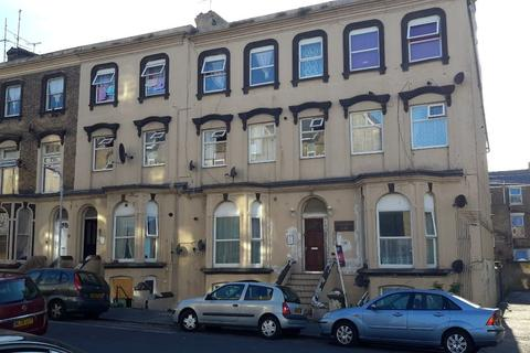 2 bedroom flat to rent - Athelstan Road - Margate