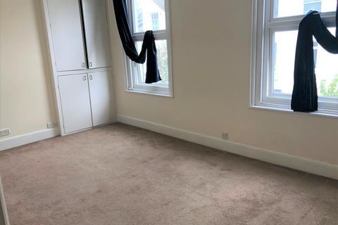 Studio to rent - Albert Road, Brighton BN1