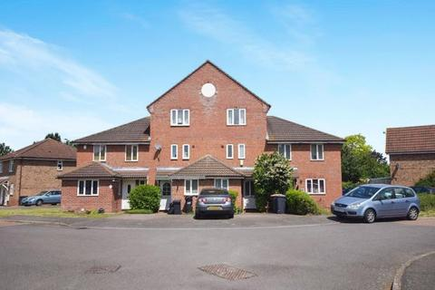 3 bedroom townhouse to rent - Buttercup Close, Bedford, Bedfordshire, MK42