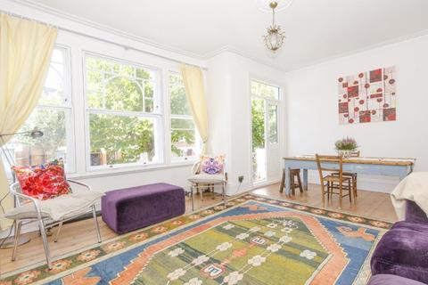 3 bedroom flat - Curzon Road N10