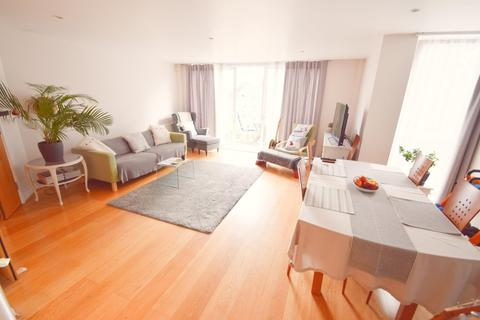 2 bedroom apartment to rent - High Trees, 9 Queensmere Road, LONDON SW19