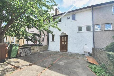 2 bedroom house to rent - Bennets Castle Lane, Dagenham, RM8