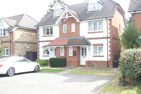 4 bedroom semi-detached house for sale - Shelburne Drive, Whitton, TW4