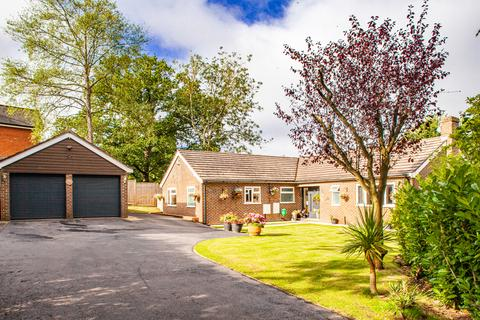 4 bedroom detached house for sale - 9 Oakdene, Woodcote, RG8