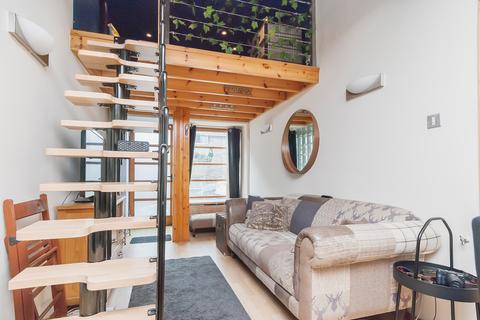 Studio to rent - Belford Mews, Edinburgh EH4