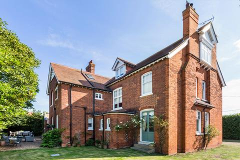 6 bedroom detached house for sale - North Street, Southminster, CM0