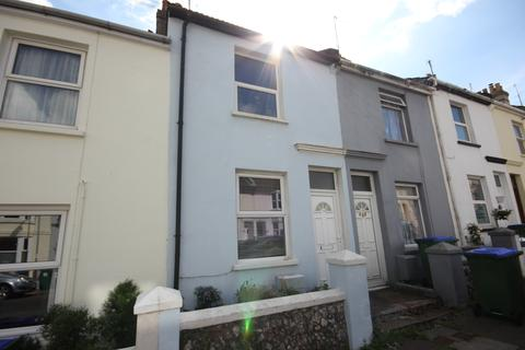 2 bedroom terraced house to rent - Lawes Avenue, Newhaven BN9
