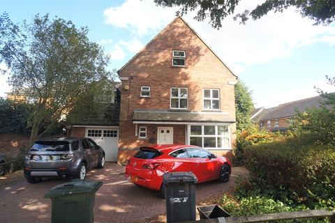 5 bedroom detached house to rent - Abbey Drive, Dartford, Kent