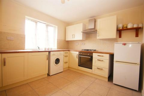 2 bedroom flat to rent - Pages Lane, Uxbridge