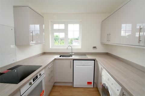 2 bedroom flat to rent - Robin Way, STAINES-UPON-THAMES, Surrey