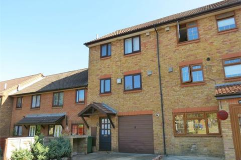 4 bedroom townhouse for sale - Trinity Hall Close, WATFORD, Hertfordshire