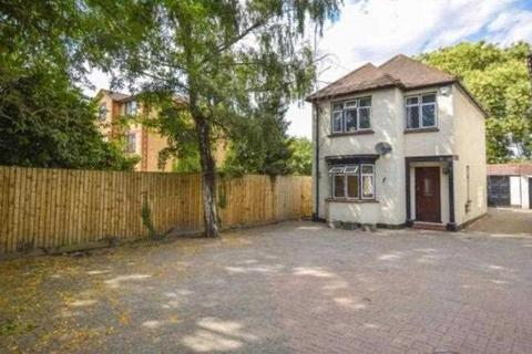 3 bedroom detached house to rent - Bath Road, Slough