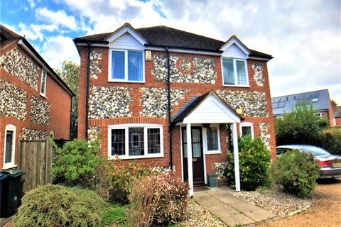 3 bedroom detached house to rent - Victoria Gardens, Marlow, Buckinghamshire, SL7