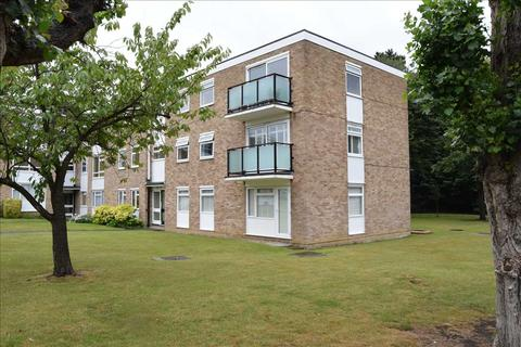 3 bedroom flat for sale - Courtlands, Patching Hall Lane, Chelmsford