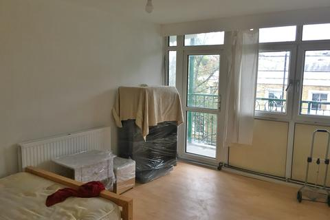 2 bedroom flat to rent - Bishops Way, London E2