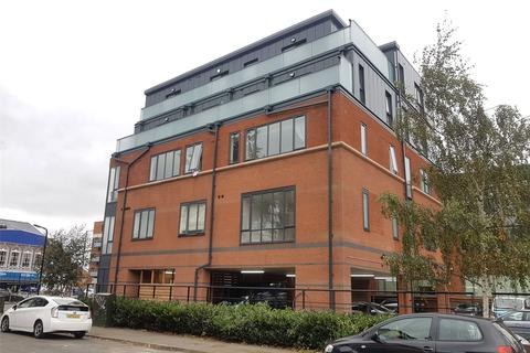 2 bedroom penthouse to rent - Mercury House, Slough, SL1