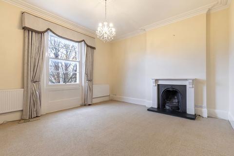 3 bedroom apartment to rent - Pittville Crescent, Cheltenham GL52 2QZ