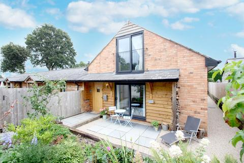 2 bedroom barn conversion for sale - Oldwich Lane West, Chadwick End, Solihull