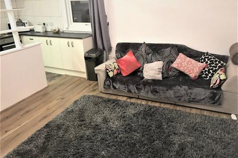1 bedroom flat to rent - High Road, Bowes Park, N22