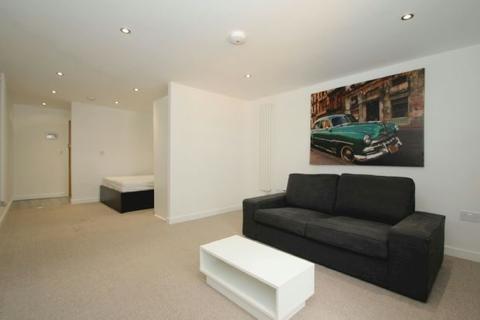 Studio to rent - Lloyd Square, Altrincham