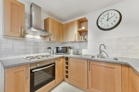 2 bedroom flat to rent - Maltings Close, London E3