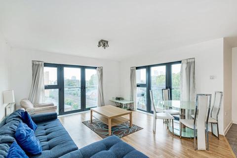 3 bedroom flat to rent - Mostyn Grove, London E3
