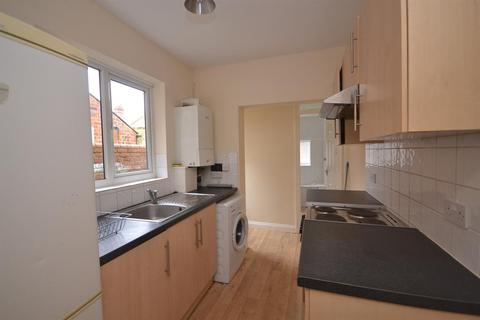 3 bedroom terraced house to rent - Filey Road, Reading