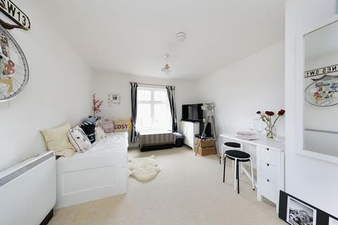 1 bedroom apartment for sale - Avondale Gardens, Hounslow
