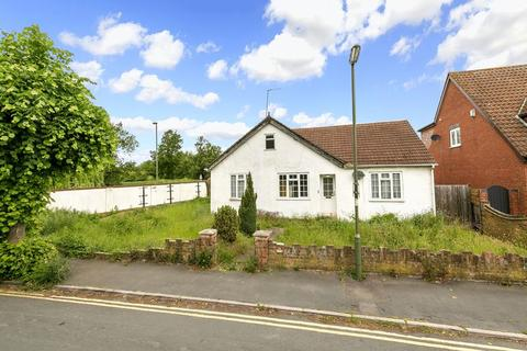 3 bedroom detached house for sale - Timsway, Staines-Upon-Thames
