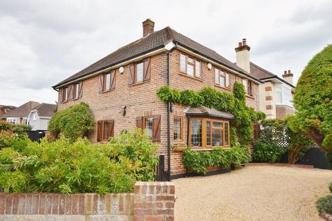 4 bedroom detached house for sale - Hursley Close, Boscombe East, Bournemouth