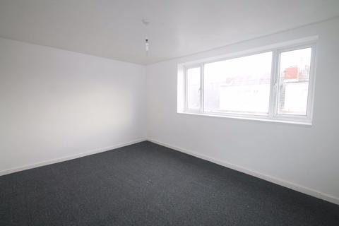 2 bedroom house to rent - Wood Street