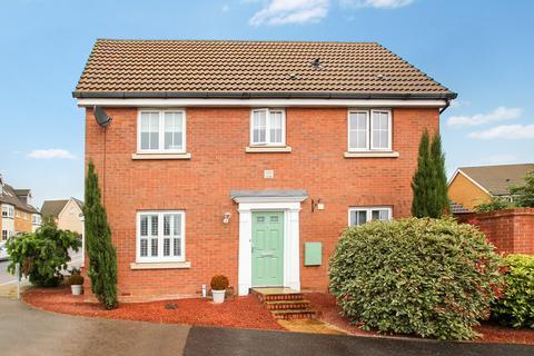 3 bedroom detached house for sale - Partridge Close, Stowmarket, IP14