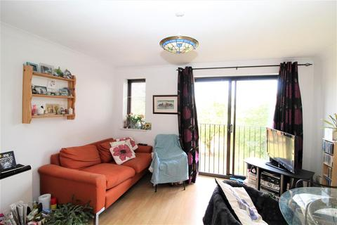 1 bedroom apartment for sale - Hammond Court, Hornchurch