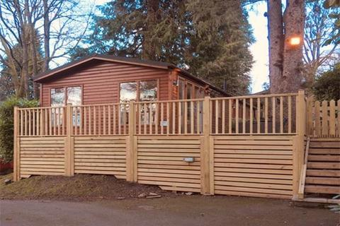 2 bedroom lodge for sale - Rayrigg Road, Bowness-on-Windermere, Windermere, LA23