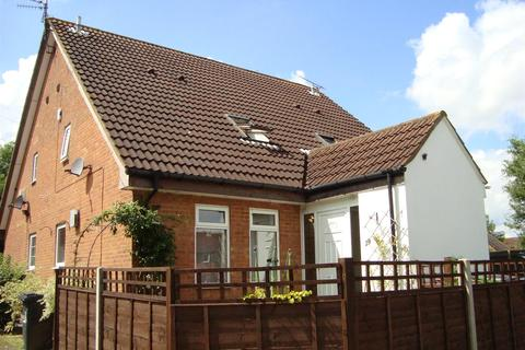 1 bedroom house to rent - Shingle Close, Luton
