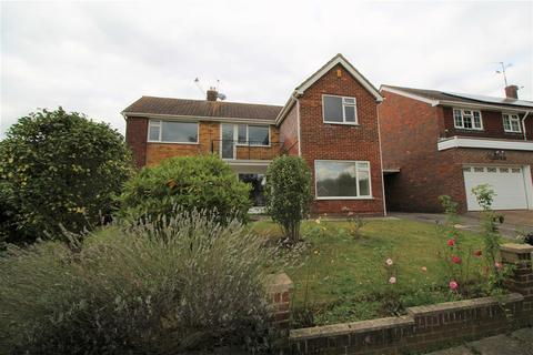 5 bedroom detached house to rent - Cowdray Close, Pound Hill