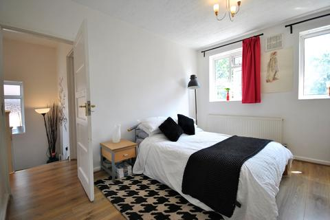 3 bedroom house share to rent - Wydeville Manor Road Grove Park SE12