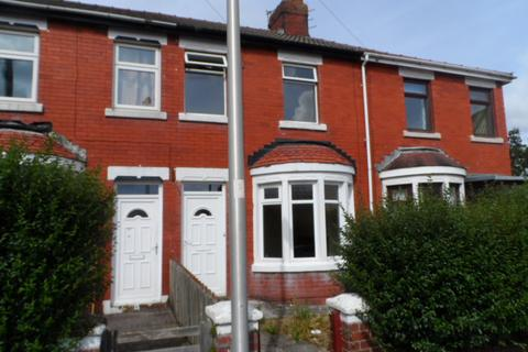 3 bedroom terraced house to rent - Thursfield Avenue, Blackpool, FY4 4AH