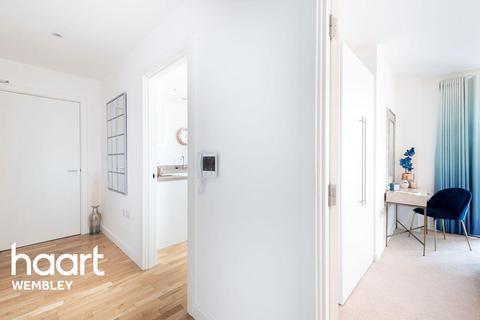 3 bedroom flat for sale - The Rise, Alperton
