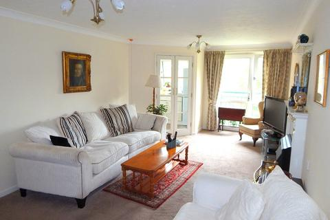 2 bedroom flat - Mayals Road, Blackpill, Swansea, City & County Of Swansea. SA3 5BS