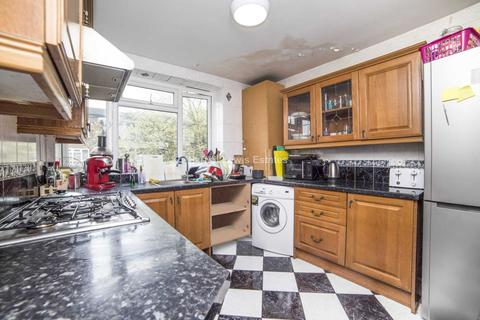 House share to rent - Beech Avenue, W3